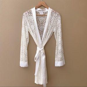 APT 9 Lace Robe